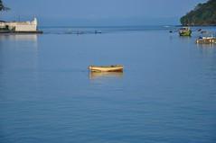 Feliz Semana... (Ruby Augusto) Tags: canal sea mar fishermen pescadores boats barcos forest mataatlântica forte