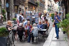 PALERMO - STREET LIFE (Maikel L.) Tags: europe europa sizilien sicilia sicily italia italie italien italy palermo street streetlife people café city urban stadt città gente