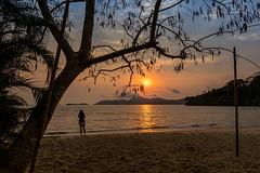 Sunrise in Jabaquara Beach - Paraty - RJ (mariohowat) Tags: jabaquara paraty sunrise nascerdosol canonrp riodejaneiro brazil brasil