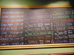 Le King Hall tap menu (Quevillon) Tags: estrie easterntownships cantonsdelest canada québec sherbrooke jacquescartier lekinghall bar ratebeer menu