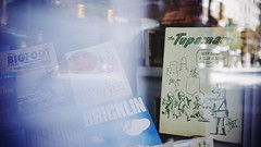 """The Tupamaros"" (Eric Flexyourhead) Tags: vancouver canada britishcolumbia bc downtown westpender penderstreet city urban detail fragment bookshop bookstore thepaperhound window glass reflections display book books thetupamaros vintage retro blur blue sonyalphaa7 zeisssonnartfe35mmf28za zeiss 35mmf28"