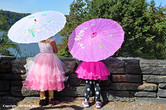 Pretty In Pink (Trish Mayo) Tags: costumes forttryonpark washingtonheights medievalfestival nycparks parasols pink hudsonriver