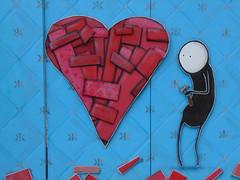 Building a heart (Quevillon) Tags: estrie easterntownships cantonsdelest canada québec sherbrooke jacquescartier art sculpture painting