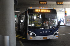 IMG_8266 (GojiMet86) Tags: golden touch transportation nyc new york city bus buses 2017 grande west vicinity 8125 ada delta shuttle laguardia airport terminal c 2g9b30aa8ha098188