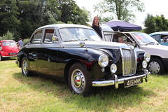 MG Magnette ZA 415MMK (Andrew 2.8i) Tags: show automobile auto voiture cars car classics classic carmarthenshire arms bronwydd day transport railway gwili british saloon sedan bmc za magnette mg 415mmk
