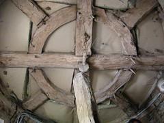 Charpente de la toiture de la tour d'escalier du manoir de la Ville-Aubrée
