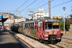 ERT-093-ETR--Sorrento-Italy-21-9-2019 (D1021) Tags: ert034 ert102 emu metergauge sorrento sorrentostation italy italianrailway d300 nikond300