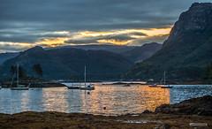 "Breaking Dawn over Plockton Bay, West Coast of Scotland. (Scotland by NJC.) Tags: sunrise dawn daybreak sunup morning daylight شُروقُ الشَّمْس ""nascer do sol"" 日出 ""izlazak sunca"" ""východ slunce"" solopgang zonsopgang amanecer auringonnousu ""lever du soleil"" sonnenaufgang alba 日の出 lakes lochs reservoirs waters meres tarns ponds pool lagoon lago 湖 jezero sø meer järvi lac see λίμνη 호수 yachts boats cutter sloop ketch sailboat vessels craft يَخْت iate 游艇 yate huvialus jacht γιοτ 요트 lystbåt plockton lochcarron creaganduilisg scotland westcoastofscotland"