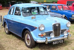 620 FCG Wolseley 1500 (kitmasterbloke) Tags: aldham colchester essex rally vintagecar classiccar veterencar truck van pickup vehicle concours display motoring automobile transport outdoor