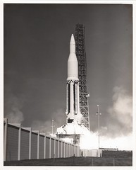 sa03_v_bw_o_n (unnumbered poss USAF photo, LOC 62PC-120 eq) (apollo_4ever) Tags: servicestructure liquidoxygen perspectiveview launchpedestal wernhervonbraun unmannedrocket abandoninplace lc34 launchcomplex34 saturnc1 saturnirocket saturnc1rocket capecanaveral ccafs capecanaveralairforcestation projecthighwater rocket rocketlaunch liftoff saturnrocket saturnprogram saturnapollo projectapollo apolloprogram apollospaceprogram