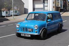 Morris Mini 1000 Van SDE952N (Andrew 2.8i) Tags: run county pembrokeshire classic classics car cars auto autos voiture voitures show meet british panelvan commercial haulage transport bl britishleyland van 1000 mini morris sde952n