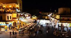 Rhodes la nuit  -  Rhodes by night (Philippe Haumesser (+ 8000 000 view)) Tags: ville city nuit night personnes peoples lumières lights rhodes grèce greece nikond7000 nikon d7000 reflex 2019