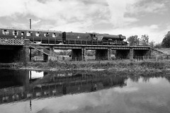 Flying Over The Nene (gooey_lewy) Tags: flying scotsman nene valley railway loco train engine lner br british rail london north eastern steam 462 most famous brunswick green nvr river reflection mono black white bw red filter german deflectors
