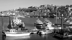 Whitby harbour (Big Warby) Tags: riverside stockton stocktonontees whitby coast seaside harbour town landscape outdoor sunny sunshine boats ships fishing reflections