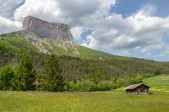 Autour du Mont Aiguille (Izzz38) Tags: vercors parc naturel régional romain izylowski montagne paysages mont aiguille chichilianne innaccessible falaise alpinisme merveille dauphiné