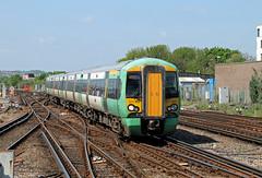 377444 Brighton (CD Sansome) Tags: station train trains tsgn gtr govia thameslink railway southern great northern brighton electrostar 377 377444