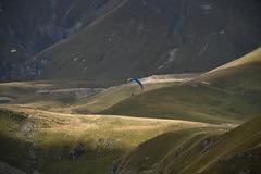 Gudauri Flying (Harald Philipp) Tags: georgia stepandsmindi gudauri paragliding mountains hills flying nikon d850 nikkor 28300mm