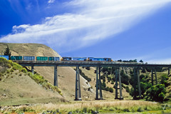 075 Diesel Electric train (Awesome Image Maker NZ) Tags: canonslidebestof flickr okarahiaviaduct slides train diesellocomotive doubleheaded
