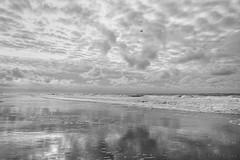Helicopter (Pieter Musterd) Tags: noordzee wolken zee helicopter branding weerspiegeling reflectie golven kijkduin holland canon nederland denhaag canon5d nl thehague hofkwartier lahaye musterd pietermusterd 'sgravenhage canon5dmarkii pmusterdziggonl
