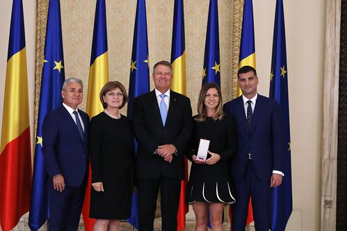 Simona Halep - Simona Halep and her family, official photo with Romanian President, Klaus Iohannis
