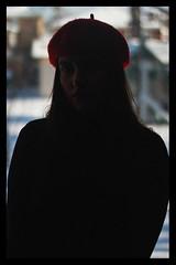 Letícia (TheJennire) Tags: photography fotografia foto photo canon camera camara colours colores cores light luz young tumblr indie teen adolescentcontent shadow 2019 toronto canada winter beret blackframes poetic snow naturallight