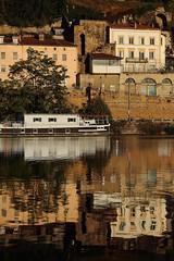 Bords de Saône (2) (denisg.photo@orange.fr) Tags: canoneos6d lyon saône rivière river bateau boat reflet reflection