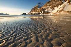 the Arctic beach (yan08865) Tags: nusfjord lofoten norway arctic night cabins islands ocean nature sea calm sky landscapes nordic pavlis earth seascapes water waterfront lake river travel solo wide canon photographers nordland rorbuer boat tree mountain bay dusk landscape sunset haukland