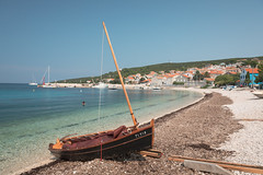 Unije Summer 2019 (Tim Ertl) Tags: unije croatia croazia island kvarner mali losinj summer holidays beach sea pebble seagrass wide angle