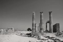 Lindos Acropolis (Philippe Haumesser (+ 8000 000 view)) Tags: lindos grèce greece nikond7000 nikon d7000 reflex 2019 acropole noiretblanc blackandwhite monochrome