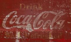 Il y a bien longtemps .... (Robert M. ( en pointillés ... )) Tags: publicité pub cocacola coke retro advertising