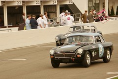 1963 MG B and a 1963 AC Ace Ford (Dave Hamster) Tags: goodwood goodwoodrevival motorracing motorsport car classic historic historicracing autosport automobile racingcar racing goodwoodrevival2019 2019 fordwatertrophy sportscar 1963mgb 1963acaceford 1963 mgb 1963acace ford acace ac ace mg 4 17 8000ph 2gll