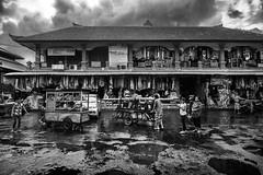 Sukawati market, Bali, Indonesia (pas le matin) Tags: bw nb blackandwhite noiretblanc monochrome travel voyage world market marché sukawati bali indonésie indonesia sukawatimarket pasarsenisukawati architecture exterior rain pluie sky ciel clouds nuages canon 7d canon7d canoneos7d eos7d