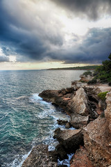 """Se va """"pa la mar"""" (candi...) Tags: cielo nubes mar rocas naturaleza nature airelibre piedras sonya77ii costa acantilados"""