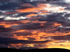 (turgidson) Tags: panasonic lumix dmc g9 panasoniclumixdmcg9 panasonicg9 micro four thirds microfourthirds m43 g lumixg mirrorless olympus m zuiko digital ed 40150mm f28 pro olympusmzuikodigitaled40150mmf28pro telephoto zoom silkypix developer studio 9 silkypixdeveloperstudiopro9 raw bray wicklow ireland sunset evening sky cloud clouds orange p1023480 hills mountains