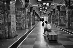 Métro (sylvie.trajan) Tags: subway métro streetphotography street streetlife monochrome blackandwhite blackandwhitephotography people graphique capture