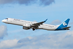 Air Dolomiti Embraer ERJ-195 I-ADJW (gooneybird29) Tags: flugzeug flughafen aircraft airport airplane airline muc embraer erj195 airdolomiti iadjw