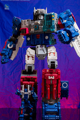 FortMax_and_Cog (Weirdwolf1975) Tags: tfylp transformers podcast beastwars megatron quackles powerdasher zetar titansreturn fortressmaximus cog