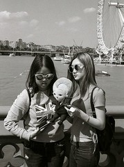 On the Westminister Bridge, London (dcastelli9574) Tags: leica m7 40mm f20 mrokkor ilford hp5 selfdeveloped scannedprinted developed id11 11 westminister bridge london
