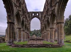 Rievaulx Abbey 2 (Ian Gedge) Tags: uk britain england yorkshire northyorkshire abbey rievaulx ruin