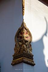Garuda holding Nagas, Sema, on the corner of the wall of Phra Ubosot, Wat Mahathat Yuwaratrangsarit (imageofbangkok) Tags: bangkok buddhisttemple garuda garudaholding2nagas godandangel naga sema thaiarchitecture ubosot wat watmahathat watmahathatyuwaratrangsarit
