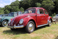 Volkswagen Beetle Sport 242XUS (Andrew 2.8i) Tags: show automobile auto voiture cars car classics classic carmarthenshire arms bronwydd day transport railway gwili german aircooled cooled air saloonsedan bug vw 1 type beetle volkswagen 242xus