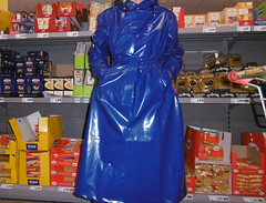 magic shiny blue rainwear fashion statement (lulax40) Tags: rubber rubberboots rainwear raingear regenkleidung rubberist rubberfetish gummistiefel gummi gummimann gummiregenkleidung pvc shiny raincoat long farmerrain fetishist