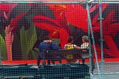 Geste de tendresse (Edgard.V) Tags: thiago mazza paris parigi la défense urban week street art urbano arte callejero mural fleurs flowers fiori flores tropical tropicale rouge red rosso vermelho