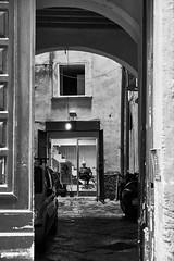 trends (paulopar.rodrigues) Tags: local napoli architecture arquitectura bairro cidade city exterior italia rua street urban photofoto bw captureone fuji xt1 portrait retrato peoplepessoas people pessoas