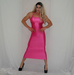 When you're a crossdresser, but you love the gym too darn much! (queen.catch) Tags: crossdresser muscles fitness clingydress dress nylonlycra spandex heels pantyhose glam dragqueen catchqueenyoutube youtuber pinkdress wig makeup strikeapose