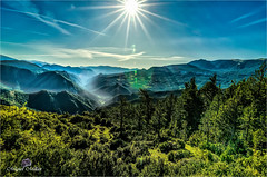 Gresolet (Miquel Millán) Tags: muntanyes valls montañas valles mountains valleys panoràmica panorama landscape sun sol trees arbres arboles sunrise albada amanecer nikon d5100 catalunya catalonia cataluña