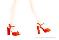 _DSC9672 (Toni M. Micó) Tags: fotoespai barcelona santandreudepalomar coroleu vermell roig red rouge vermelho rot rosso sabates talons highkey