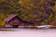 Huntsville Boat House (Dan Annable) Tags: boathouse barn lake river trees nature huntsville canada rustic