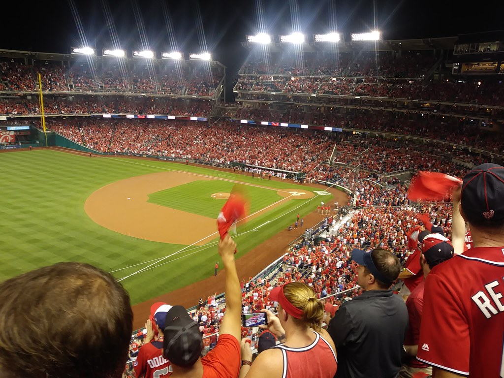 фото: View from section 304, Nats vs Brewers 10/1/2019
