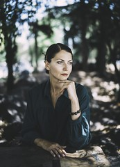 Verde (Pavel Valchev) Tags: samyang 12 rokinon 35mm crop ff fe sony walimex manual lens park wood woman bulgaria sofia mf bokeh swirly photoshop lightroom emount a7rii a7r2